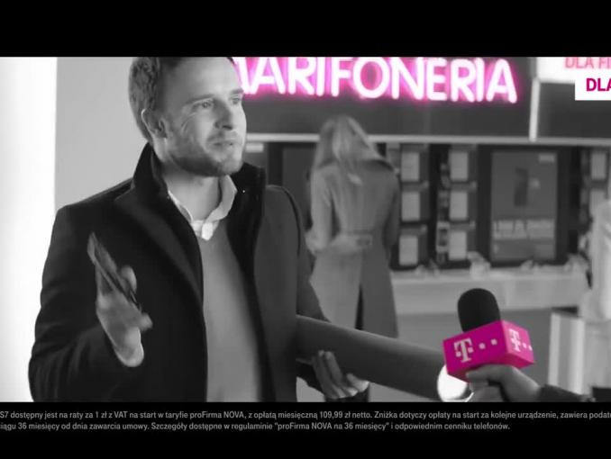 Dominik Strzelec reklamuje Smartfonerię dla firm w T-Mobile