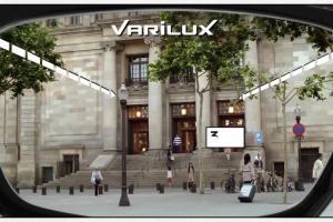 Danuta Stenka reklamuje szkła okularowe Varilux