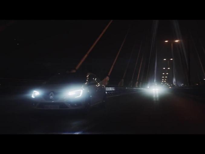 Prawdziwa historia producentki pokazu Bizuu promuje Renault Megane GrandCoupé