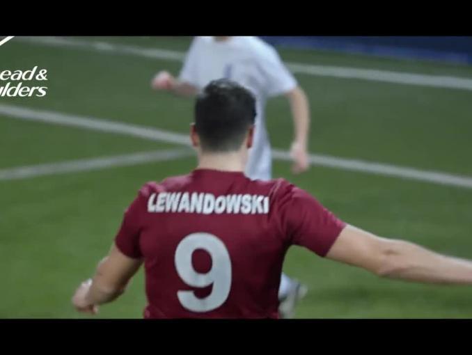 Robert Lewandowski reklamuje szampon Head & Shoulders Men Ultra
