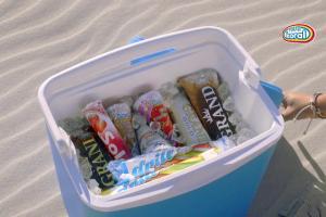 Pomysł Macieja Musiała na wakacje z dziewczynami - spot lodów Koral
