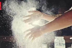 Polomarket reklamuje pieczywo i ciasta