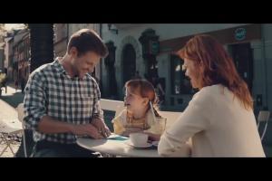 Nest Bank reklamuje kredyt na fotelik samochodowy dla dzieci