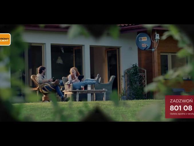 Krzysztof Ibisz jako reporter terenowy reklamuje Domowy Internet LTE od Cyfrowego Polsatu