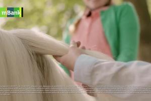Konto firmowe w mBanku - reklama z kucykami
