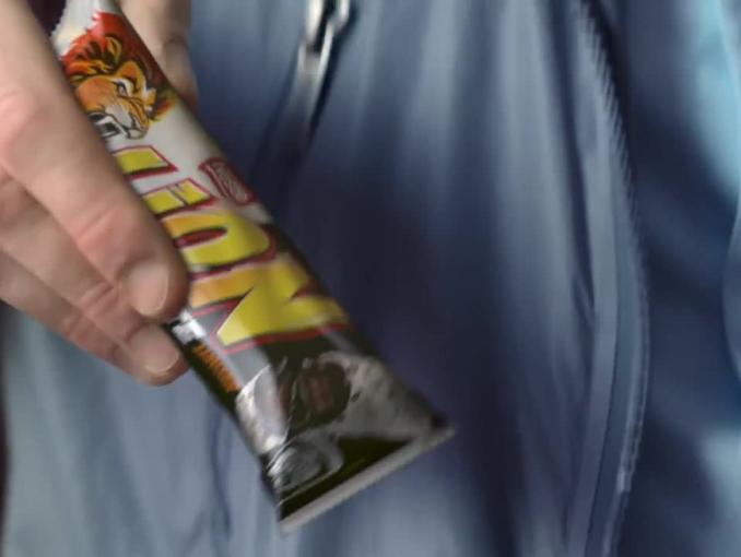 """""""Obudź w sobie lwa"""" w reklamach batonów Lion BlackWhite"""