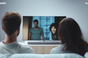 """""""Doznaj olśnienia"""" - Adam Woronowicz w reklamach Samsung QLED TV"""