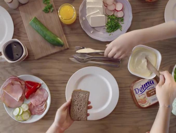 """""""Smak domowych kanapek"""" w spocie margaryny Delma"""