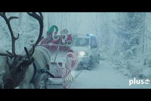 Dharni z Szymonem Majewski jako Świętym Mikołajem reklamują 2x więcej Internetu LTE w Plusie Mix