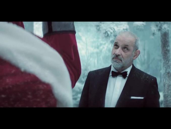 Święty Mikołaj wisi 700 zł w bożonarodzeniowym spocie nc+