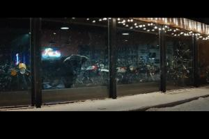 Byk chwycony z rogi reklamuje kredyt w BGŻ BNP Paribas