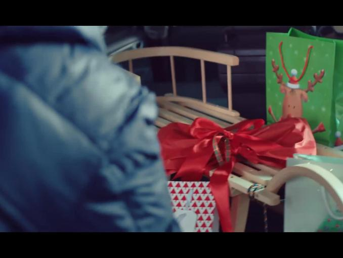 """""""Prąd jest lepszy z dodatkami"""" - bożonarodzeniowa reklama PGE"""
