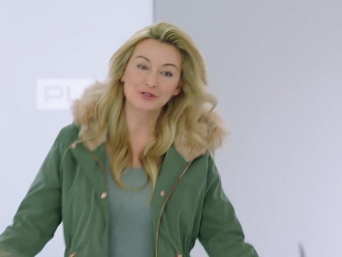 Martyna Wojciechowska z córką reklamuje ofertę Play z Minionkami