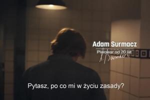 """""""Tu się warzy z zasadami"""" - reklama piwa Okocim"""