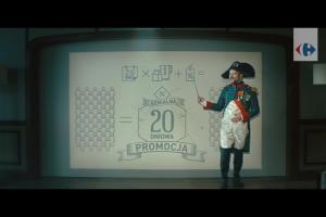 Napoleon pokazuje wzór na idealną promocję w reklamie Carrefour Polska