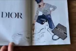 """Pierwszy numer """"Vogue Polska"""" - kartkowanie"""