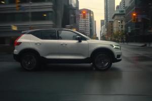 """Volvo XC40: """"Wolność to wybór"""" w reklamie"""