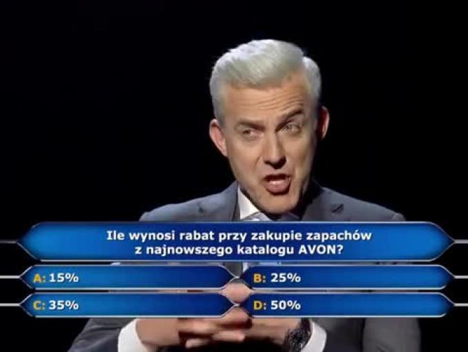 """Hubert Urbański i """"Milionerzy"""" w reklamie perfum z katalogu Avon"""