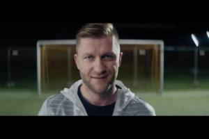 Kuba Błaszczykowski reklamuje piłkarską promocję Pepsi