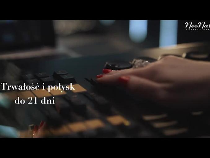 Kasia Sokołowska i Dawid Woliński reklamują NeoNail