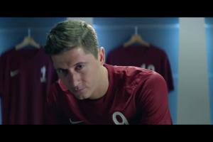 Robert Lewandowski reklamuje head&shoulders Men Ultra z węglem