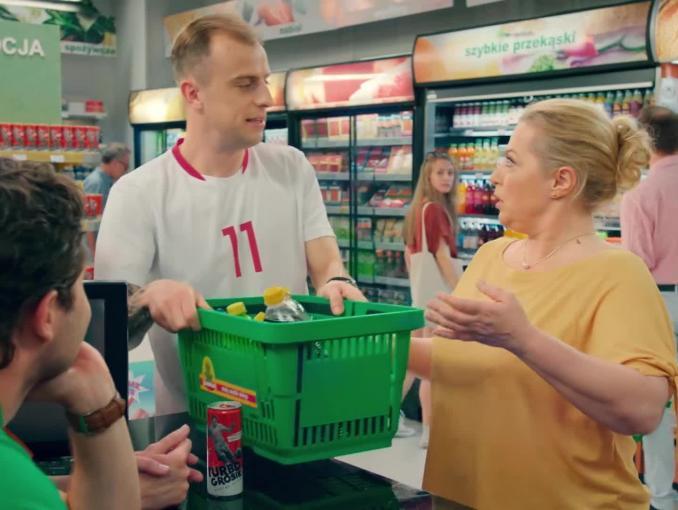 Turbo Grosik Energy Drink i numizmaty z polskimi piłkarzami w Żabce - reklama