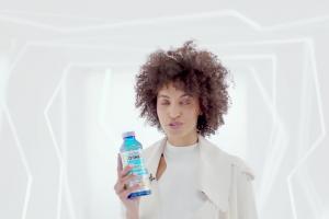 Oshee Vitamin Water - spot z Robertem Lewandowskim