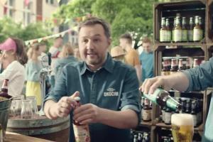 """""""Warzymy, nie produkujemy"""" w reklamach piwa Okocim Radler Truskawka (wideo)"""