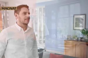 Wojciech Modest Amaro reklamuje farby Magnat