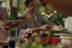 Ewa Wachowicz z przepisami reklamuje Coca-Colę