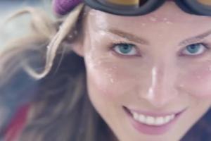 Karta Visa Świat intensive w mBanku - spot z narciarką