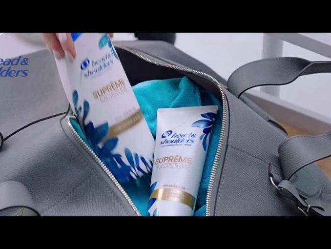Anna Lewandowska u fryzjera reklamuje head&shoulders Supreme