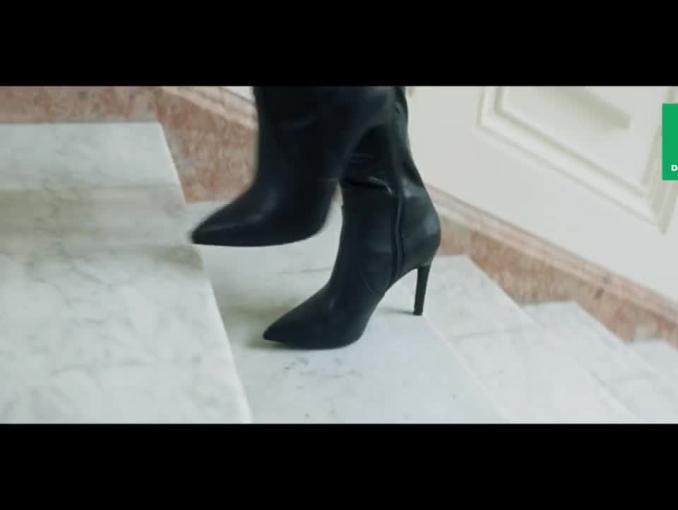 Julia Wieniawa reklamuje buty Deichmann