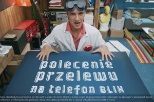 Konto dla Młodych w PKO BP - reklama z Maciejem Musiałem jako naukowcem