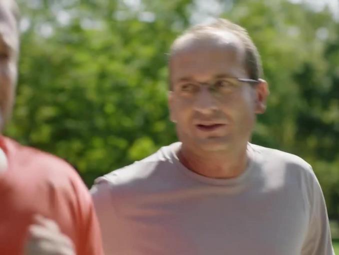 Robert Górski i Mikołaj Cieślak biegają w spocie Orange na Kartę