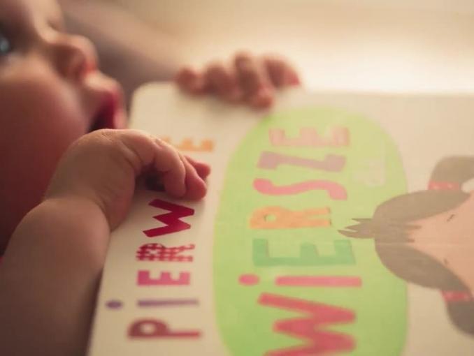 Joanna Koroniewska i Maciej Dowbor zachęcają do czytania książek dzieciom