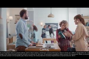 Wachlarz kart promuje Konto Jakże Osobiste w Alior Banku