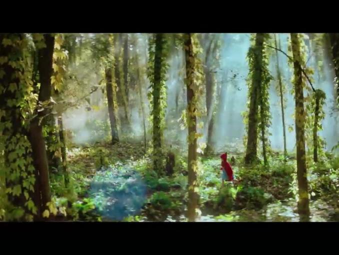 Czerwony kapturek w reklamie Empiku