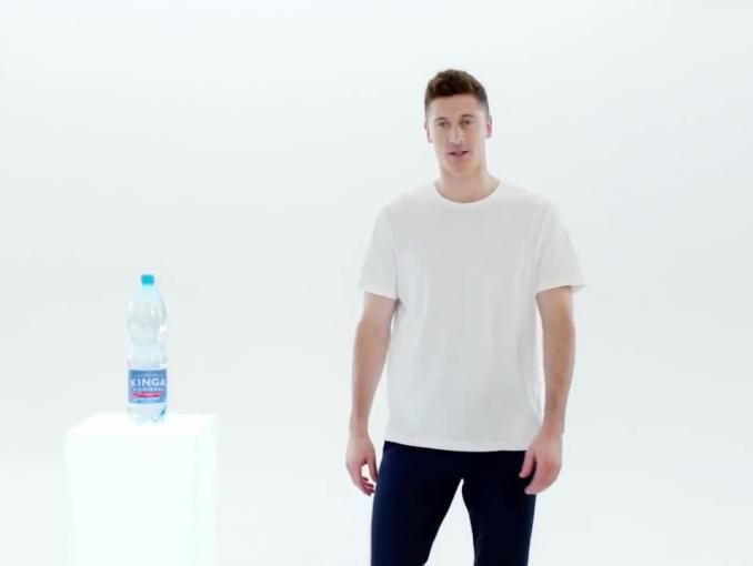 Robert Lewandowski promuje wodę Kinga Pienińska
