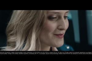 """""""Krok naprzód"""" w reklamach nowej Skody Scali"""