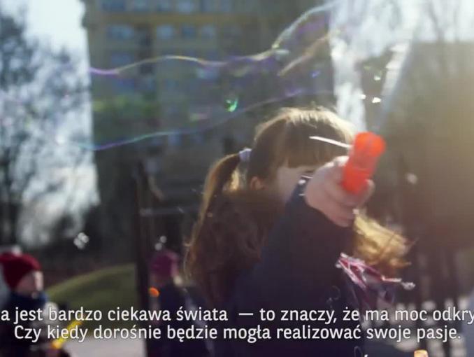 Dziecięca moc odkrywania w spocie BNP Paribas Bank Polska