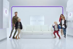 Olivier Janiak i Karolina Malinowska z dziećmi reklamują Play Now TV