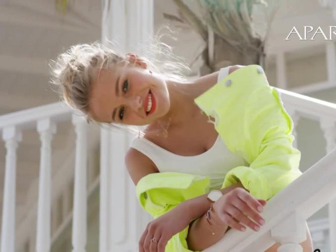 """Kasia Szklarczyk, zwyciężczyni ostatniej edycji """"Top Model"""", reklamuje Apart"""