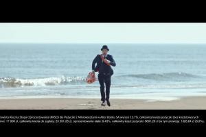 Pracownik Alior Banku ratownikiem morskim w spocie pożyczki