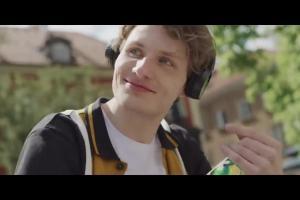 """""""Dzielmy się radością!"""" w reklamie Zbyszko 3 Cytryny"""