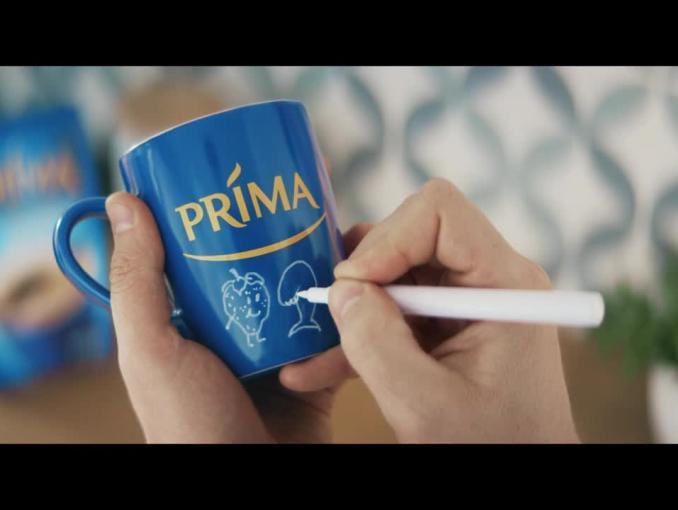 Kubki z mazakami w promocji kawy Prima