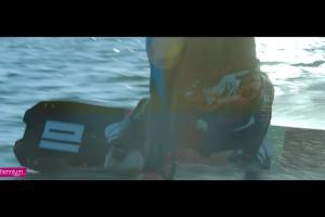 Kitesurfing reklamuje aplikację mobilną Banku Millennium