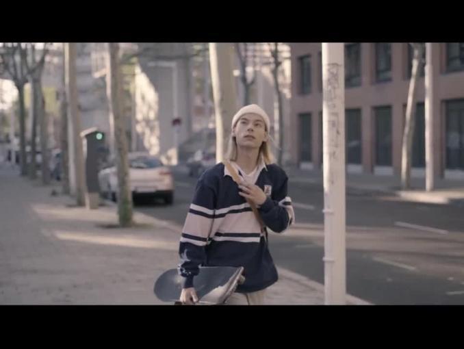 """""""Nie musisz się ograniczać - reklama bezalkoholowej Perły"""