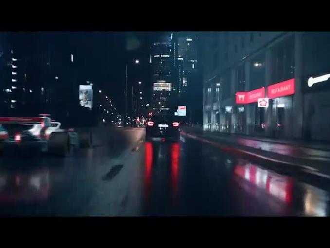 Robert Kubica w nowej reklamie Orlenu promuje olej Platinum