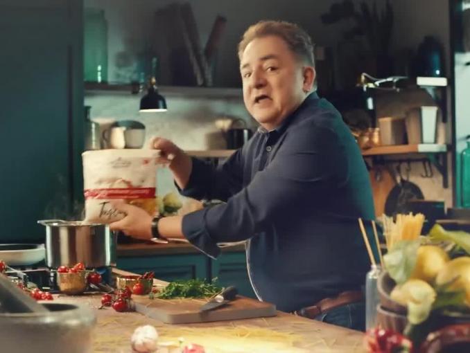 Robert Makłowicz reklamuje świeże makarony Polskie Młyny